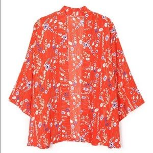 NWT DO EVERYTHING IN LOVE red floral Kimono OS